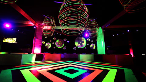 Paint Neon Party – Video Mapping en circles